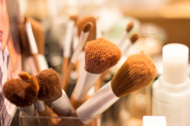快手适合做美妆行业的广告吗?CPC和CPM哪种方式性价比更高?